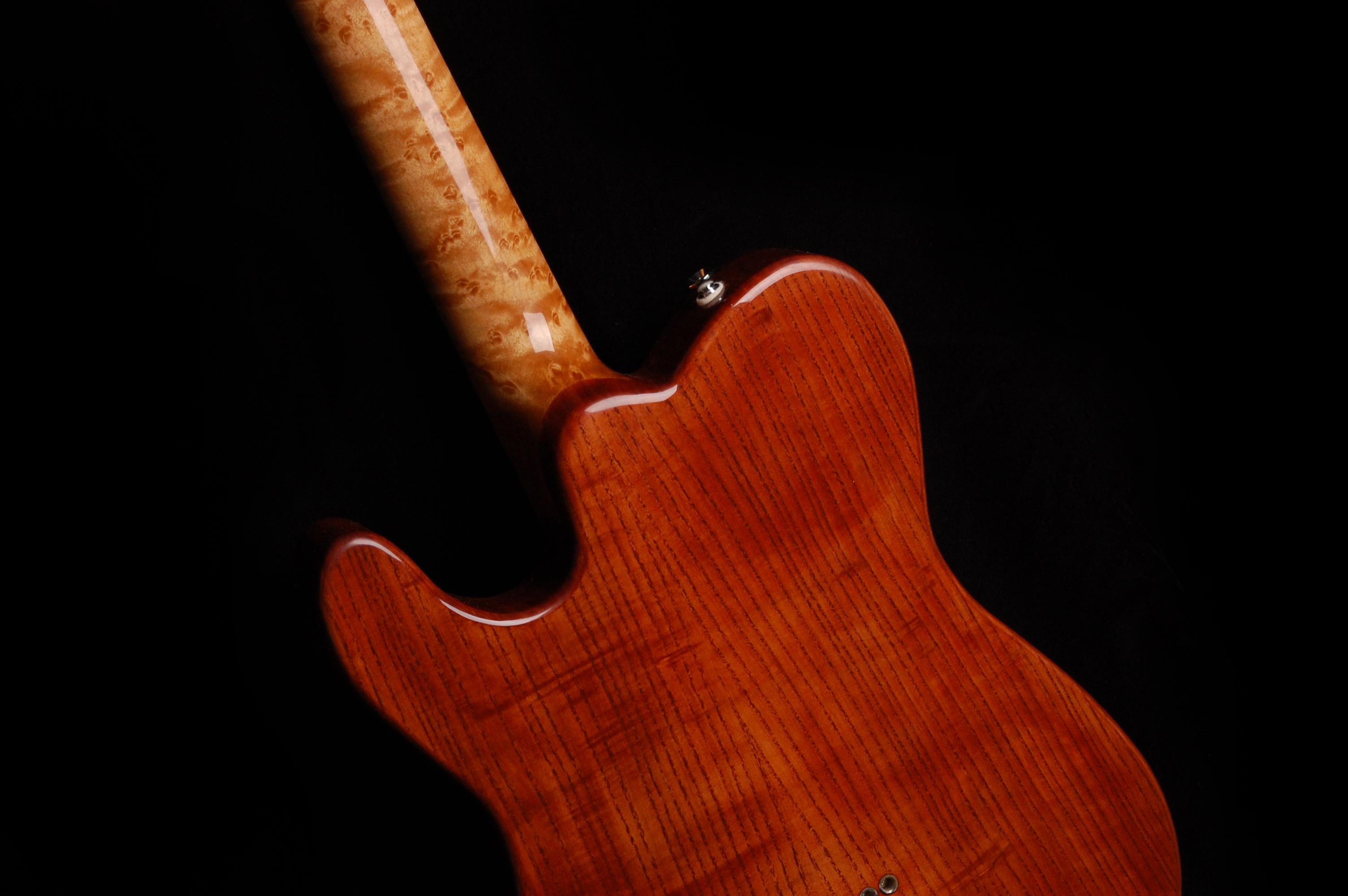 Ash body in violin red