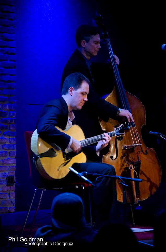 Andy Brown playing his Chicagoan with the Don Stiernberg Trio