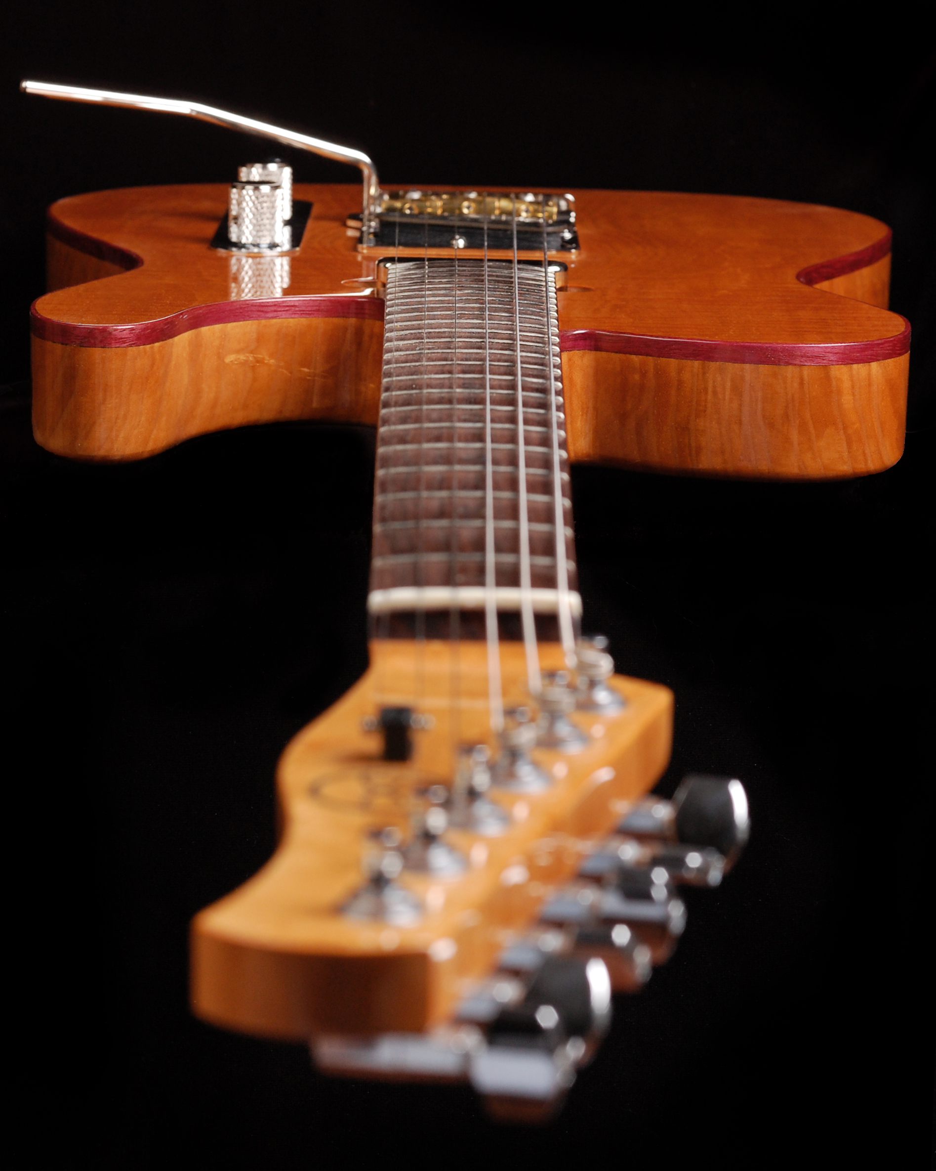 24 Fret Rosewood neck with Deep Access Cutaway