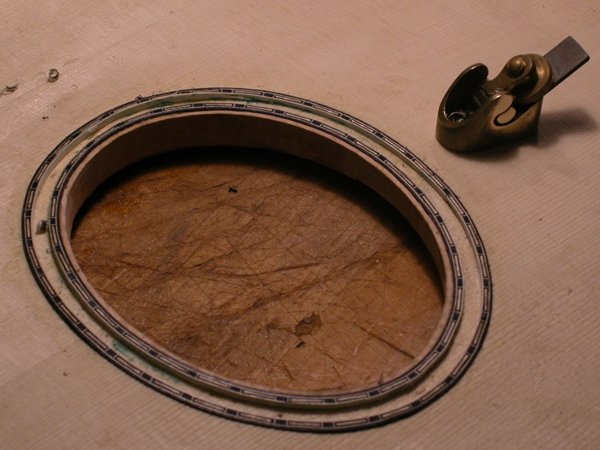 Installing hand-made latter purfling into rosette channel